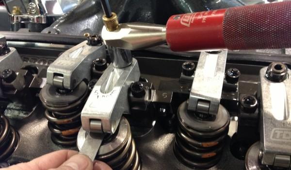 adjusting valve